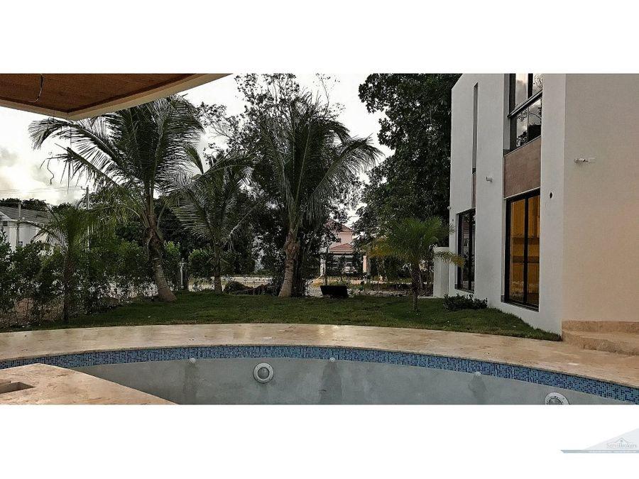 hermosa villa 4 habitaciones punta cana village