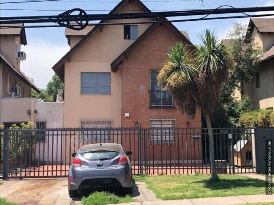 se vende casa de 3 pisos en avda el valle en penalolen