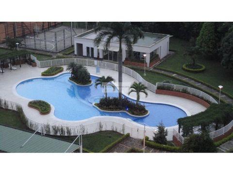 vendo amplio apartamento en ciudad jardin