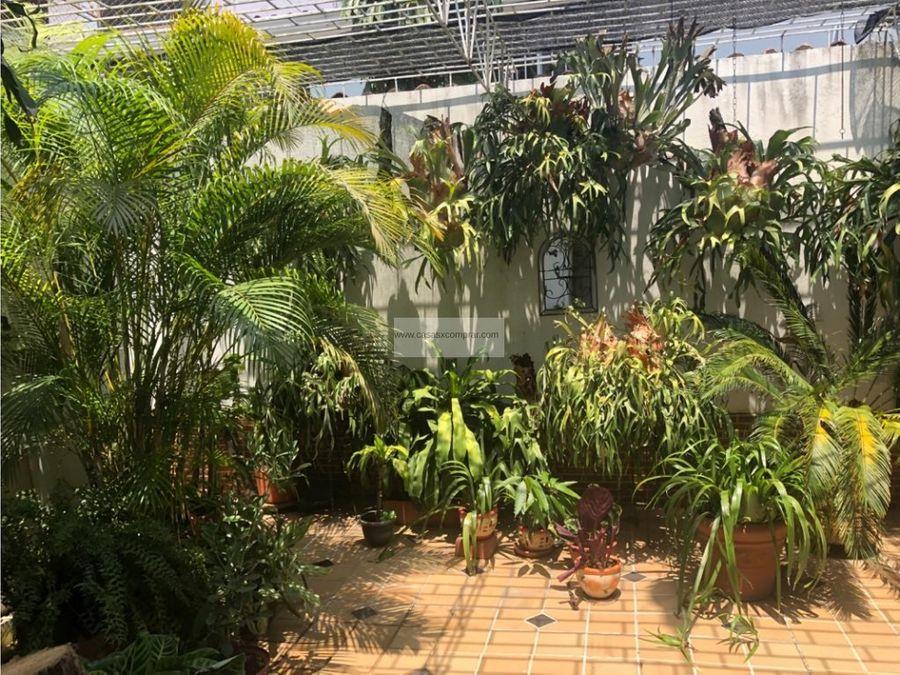 venta casa grande ciudad jardin cali