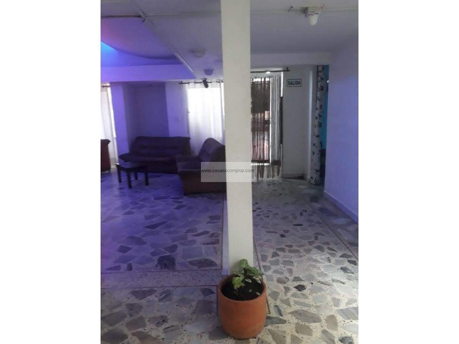 vendo casa amplia de 2 niveles en la floraal norte de cali
