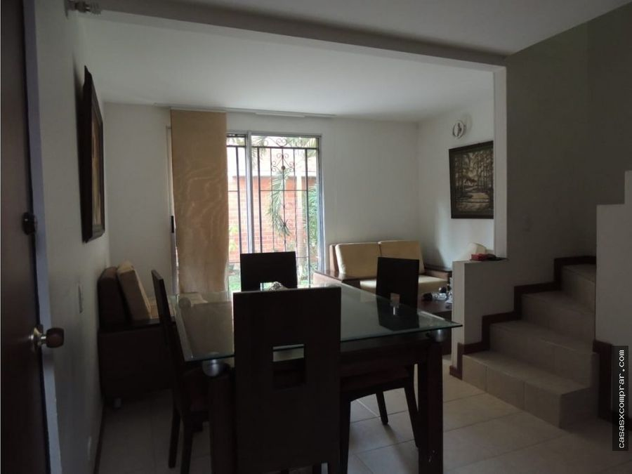 vendo casa ampliada en condominio en valle del lili
