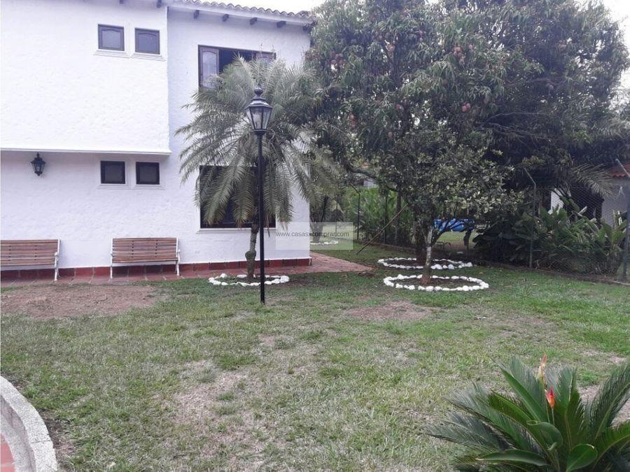 vendo casa amplia y con piscina en la morada jamundi