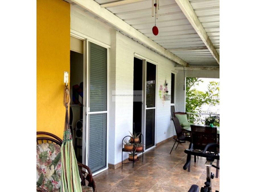 vendo casa campestre ampliada y de 2 niveles en el castillo jamundi