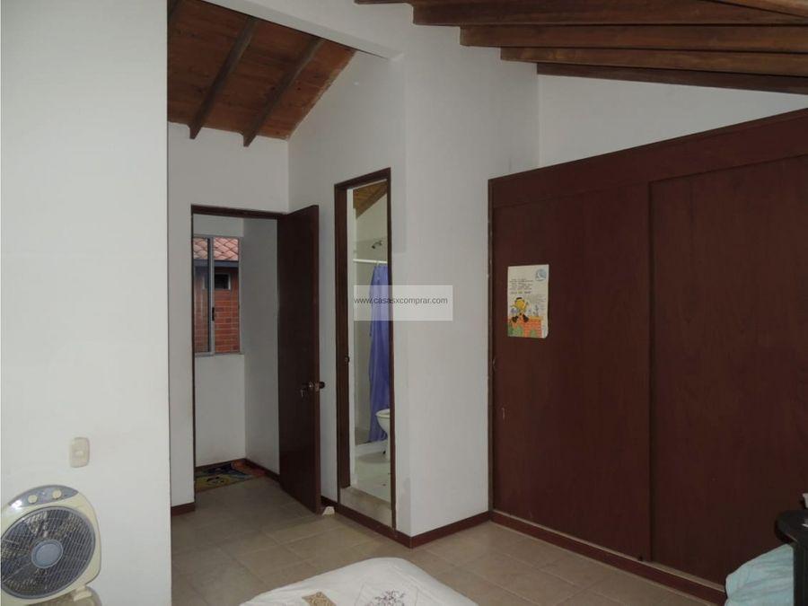 vendo casa de 3 niveles en en valle del lili al sur de cali