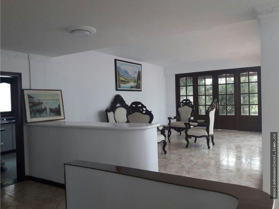vendo casa amplia con altillo y piscina en la morada jamundi