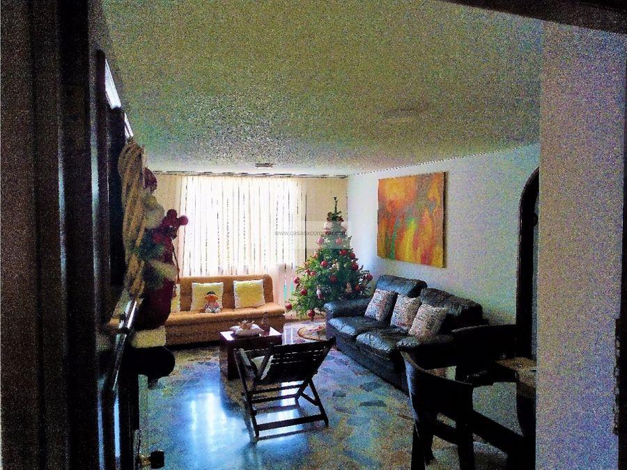 vendo amplio apartamento en tejares de los cristales