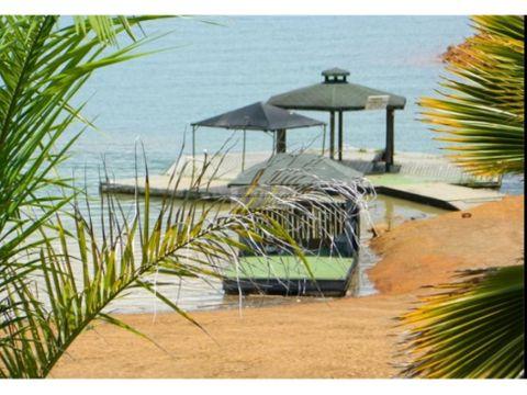 cabana en venta en el lago calima