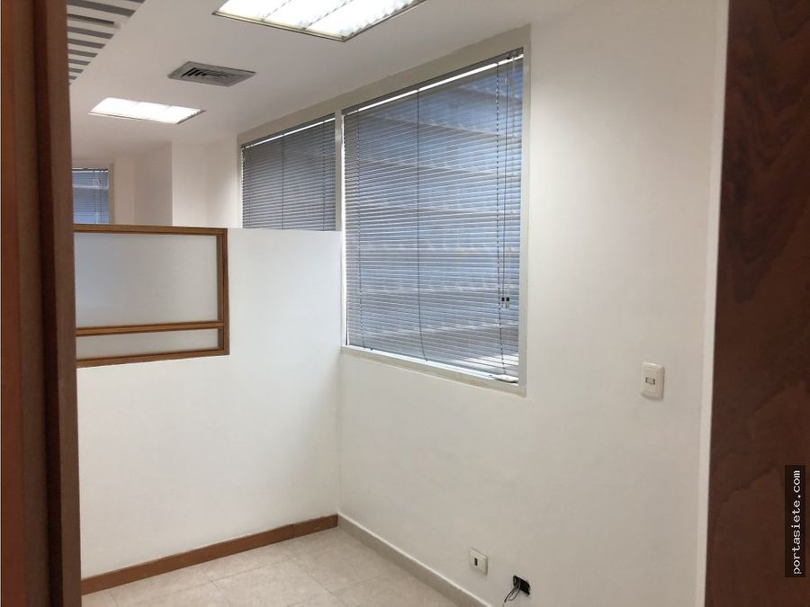 portafolio siete alquila oficina en el rosal 65 m2