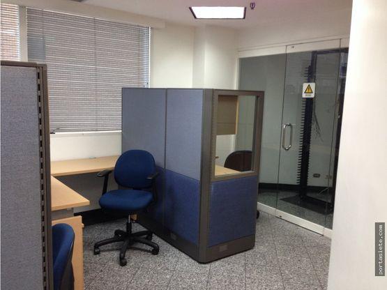 alquiler oficina amoblada en el rosal 65 mts