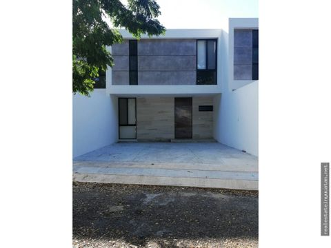 se renta exclusivo townhouse en montebello