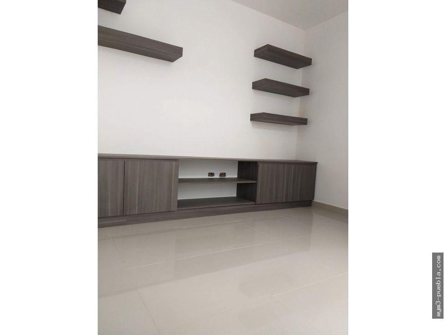 casa estilo minimalista atras de plaza san diego