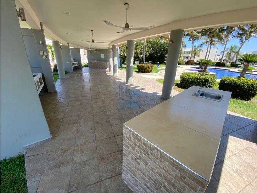 renta casa 3 rec sin muebles cerca de playa