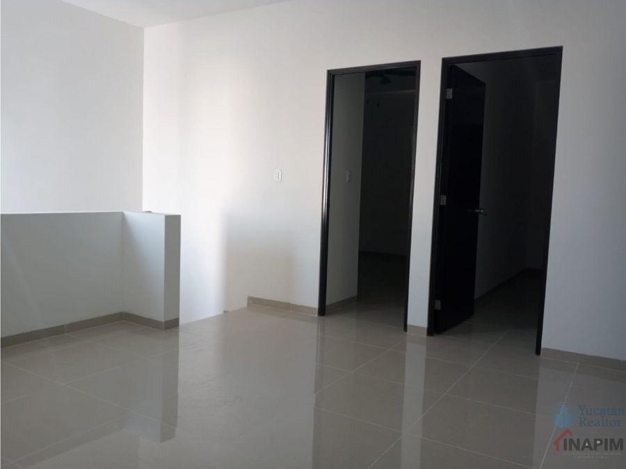 renta de casa de dos pisos 3 recamaras merida