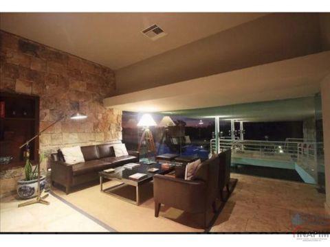 lujosa residencia en privada punta lago
