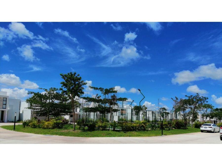 venta de amplia casa de 1 planta en privada botanico