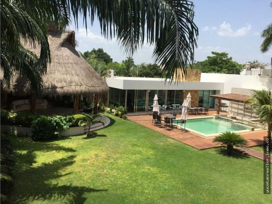 magnificent residence in the north of merida