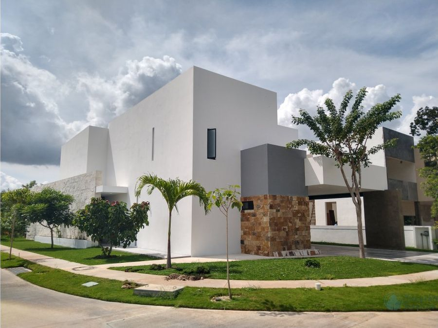 beautiful residence in yucatan country club