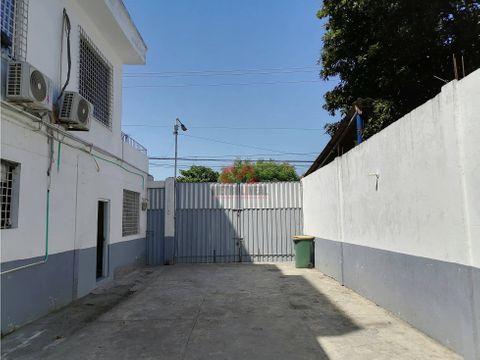 cartagena venta bodega con apartamentos en brucelas