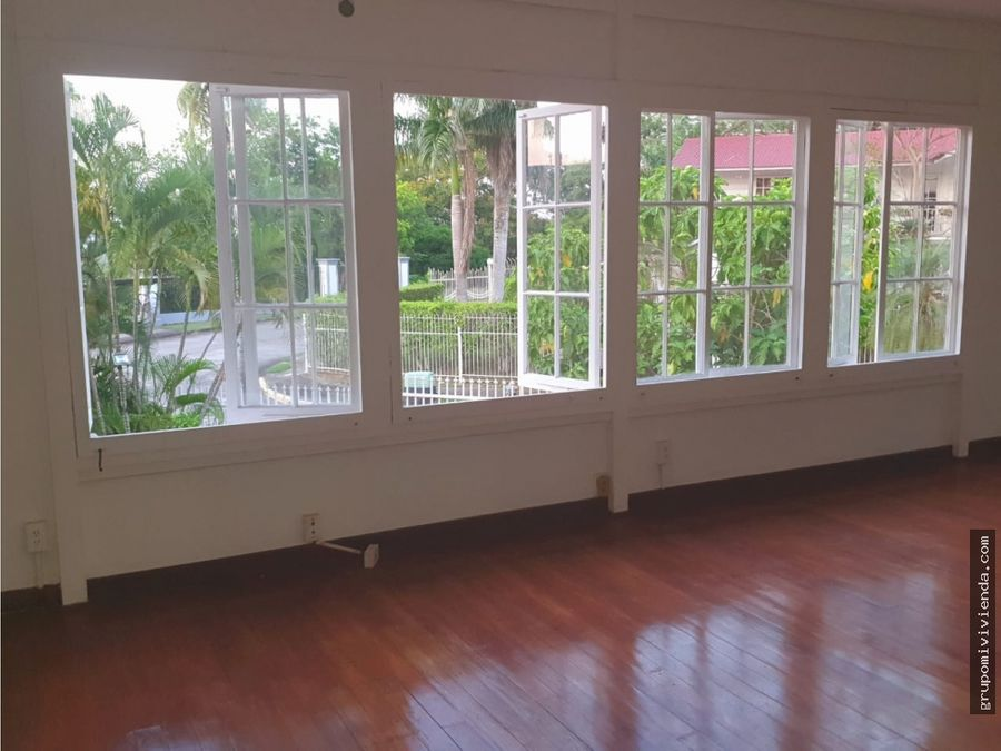 casa con linea blanca en ancon balboa