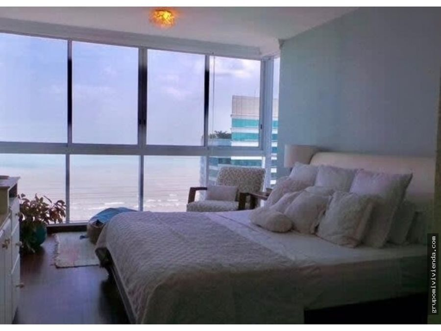 venta de espectacular apartamento en costa del este