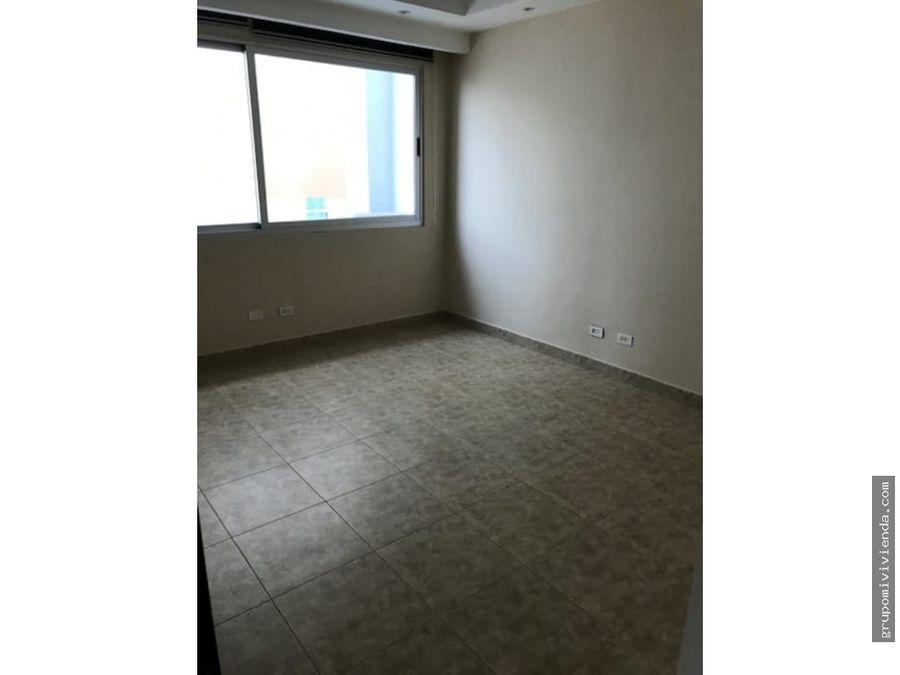 apartamento doble altura con linea blanca costa del este