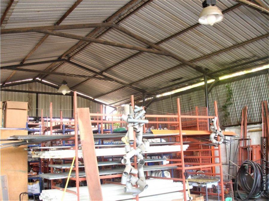 el cocaventaterrenoesquinero 516 m2galponen la av 9 de octubre