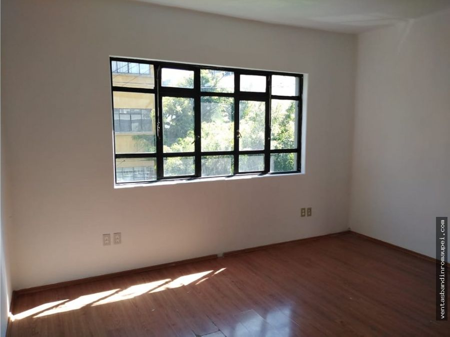 bonita casa con uso de suelo para oficinas
