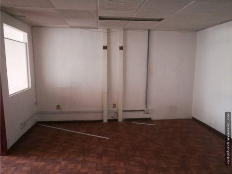 se renta oficina de 50m2 con espacios amplios