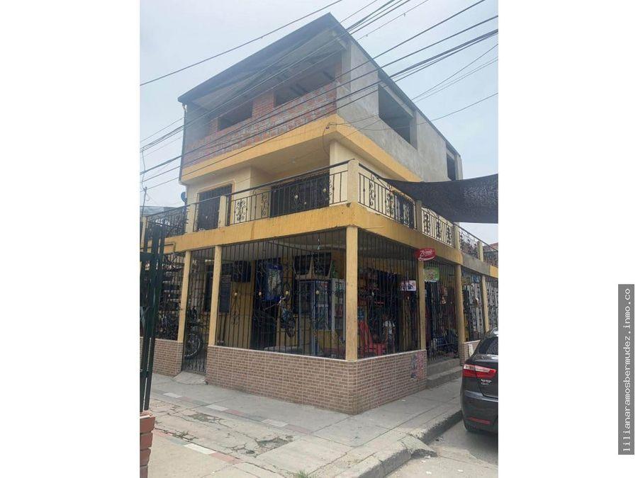 Venta Casa Esquinera Dos Pisos Con Terraza