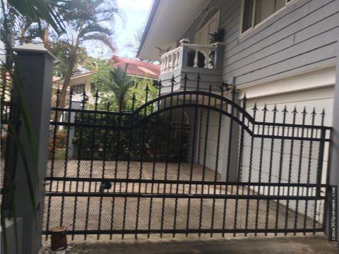 2308116 vendo amplia casa remodelada en diablo