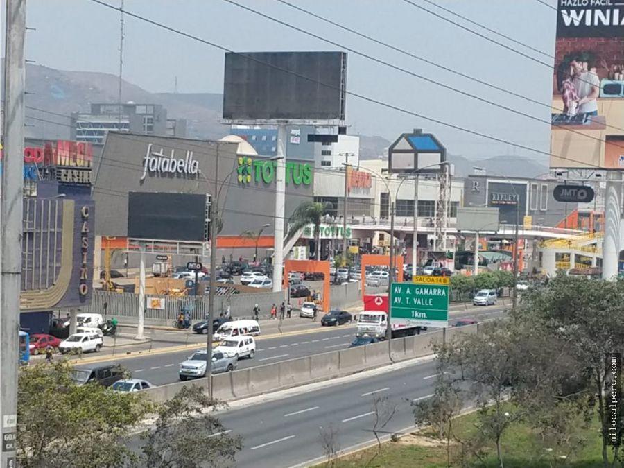 super local comercial de 3 pisos frente al mega plaza