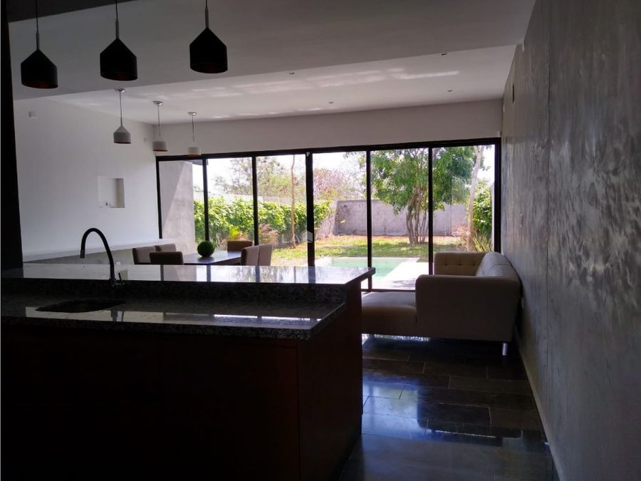 casa con piscina semi equipada en dzitya
