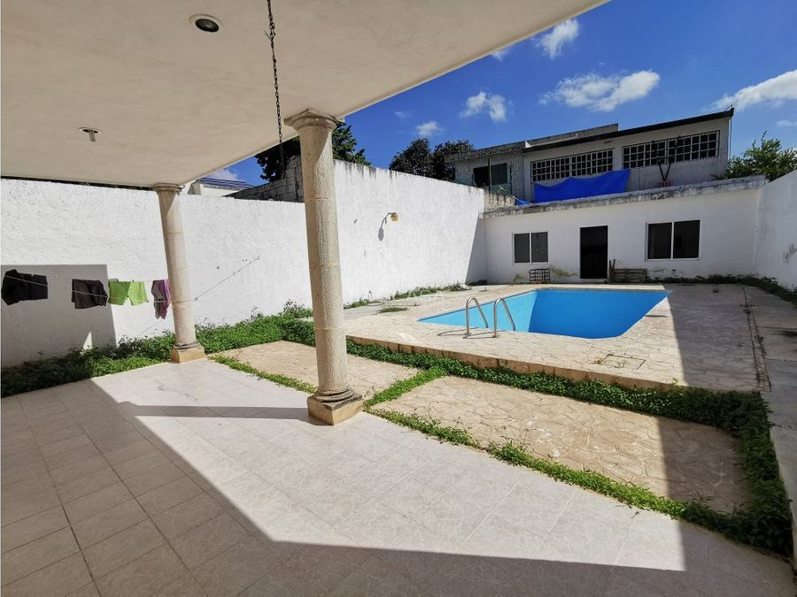 casa centrica con piscina