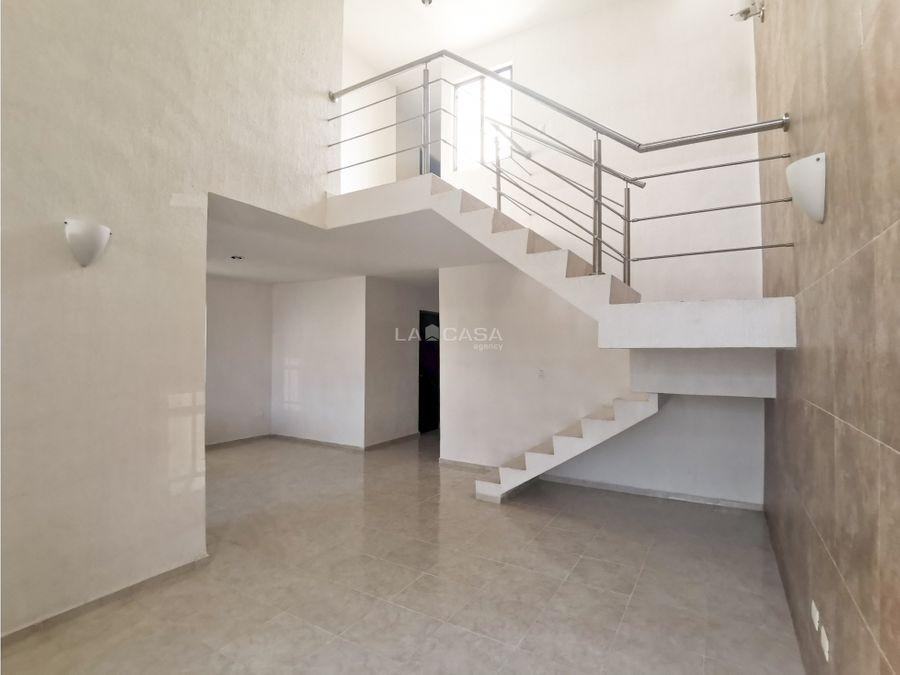 casa en renta de 2 pisos en las americas