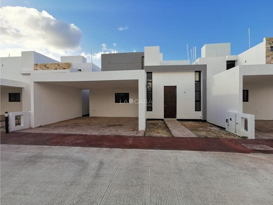 casa en renta de 4 habitaciones con piscina