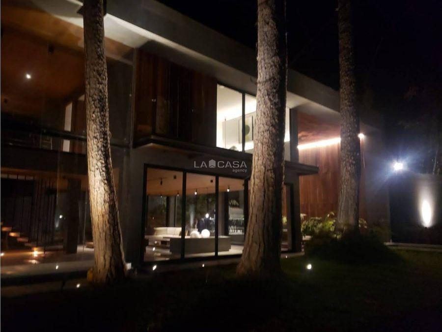 espectacular casa al lado del club de golf