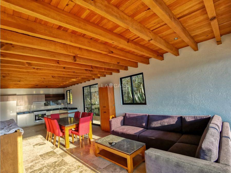 casa nueva en condominio con vistas al lago y bosque en avandaro