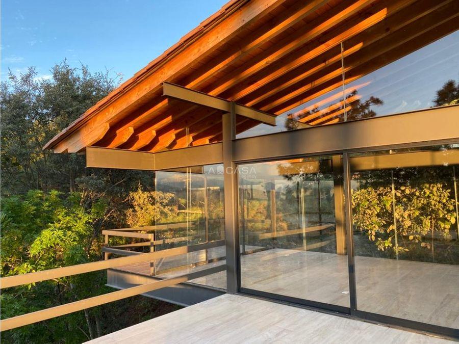 cv residencia con bello entorno de bosque en el pueblo