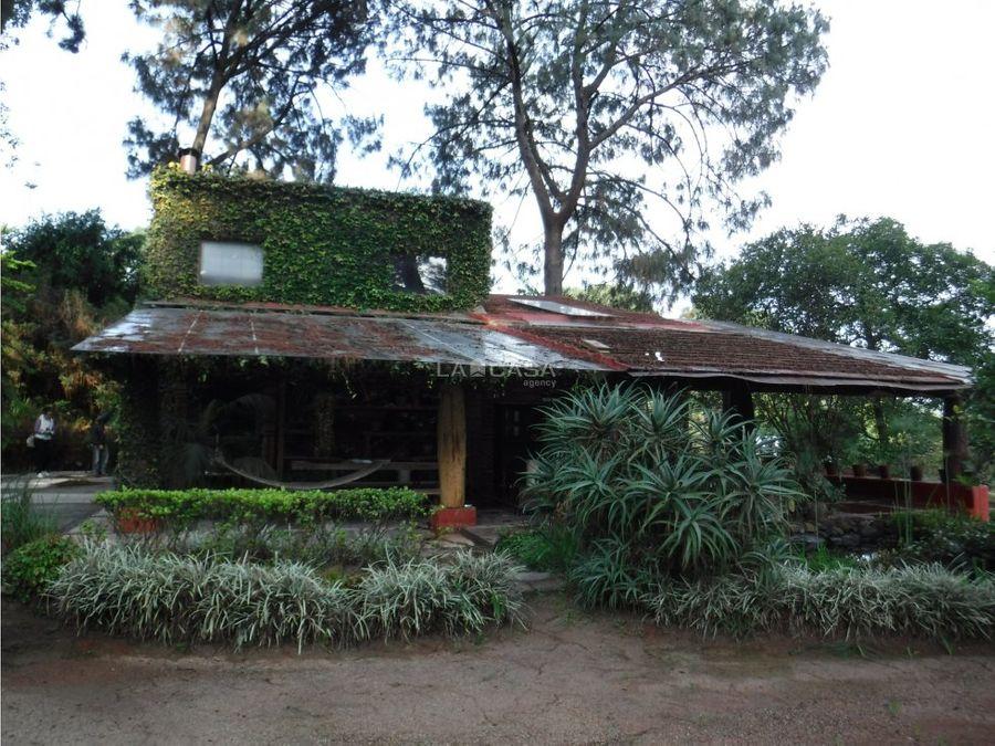 casa rodeada de bosque en avandaro