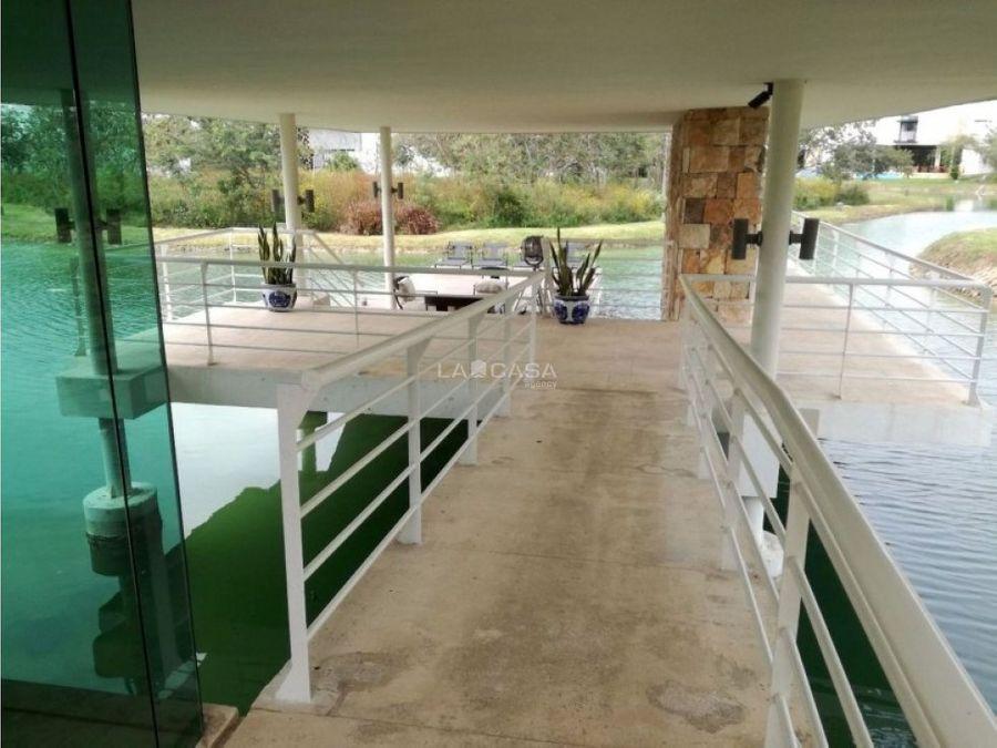 exclusivo lote residencial con vista a lago