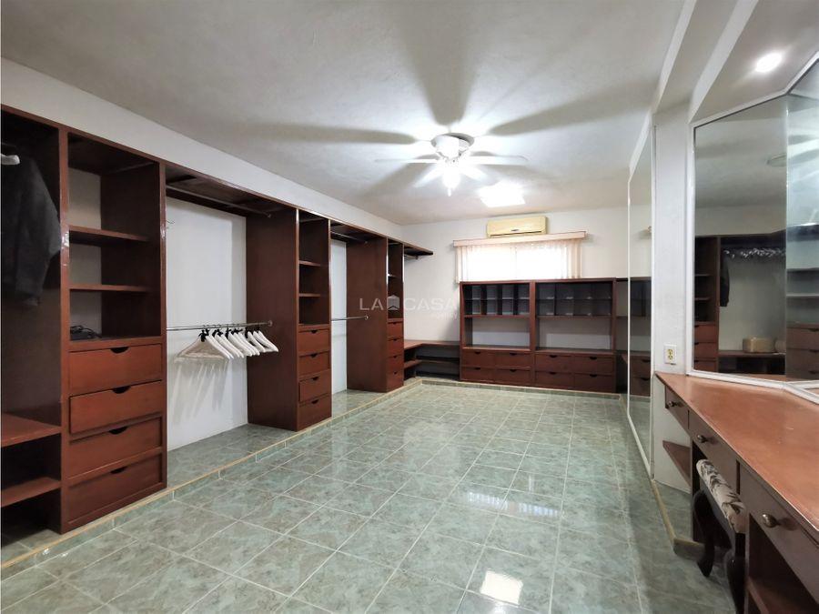 residencia de 4 habitaciones a una cuadra de prol de paseo montejo