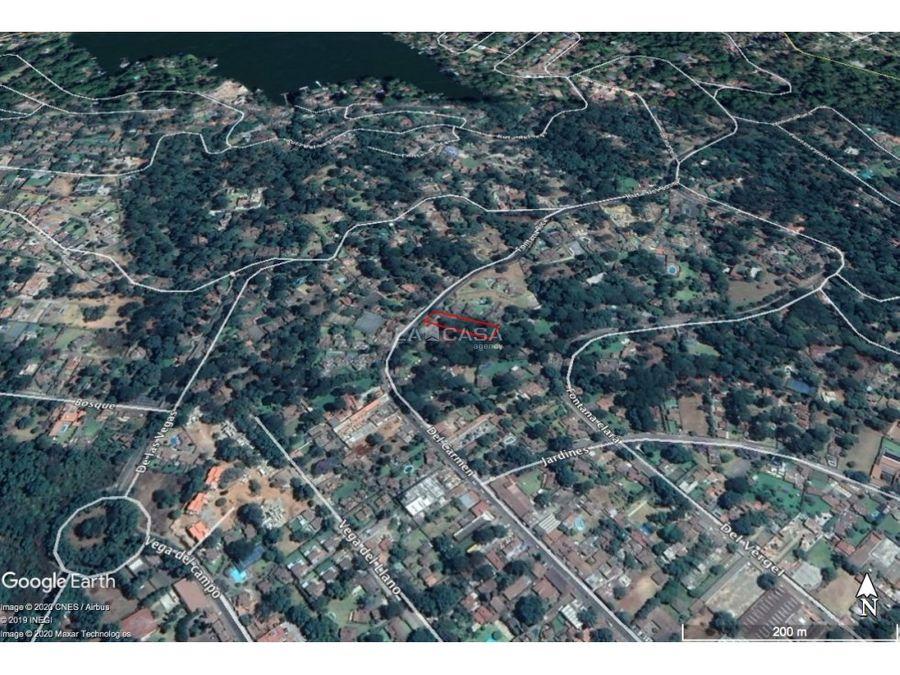 terreno boscoso en el centro de avandaro