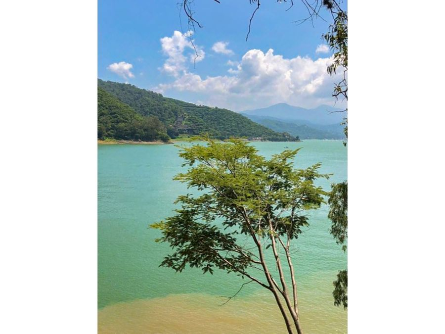 terreno amanecer con acceso y vista al lago valle de bravo