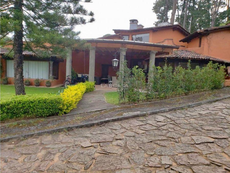 preciosa casa excelente ubicacion