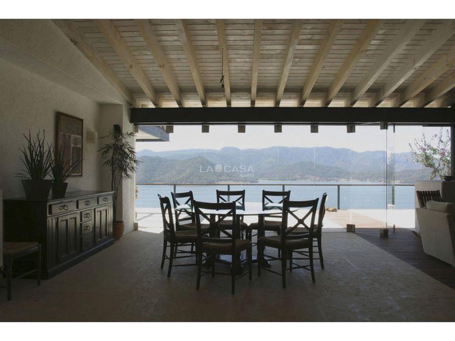 hermosa casa en la pena vista al lago