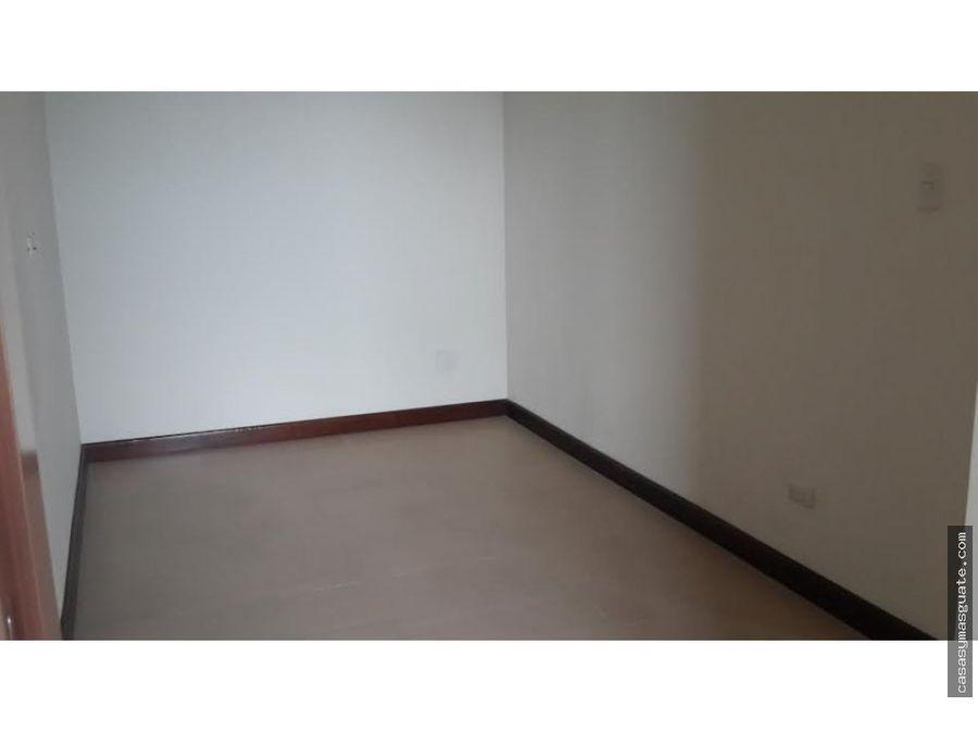 apartamento de 3 hab en av las americas z14