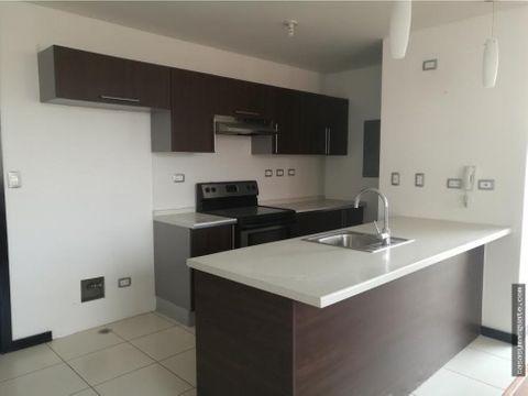 apartamento de 2 hab en venta en zona 14