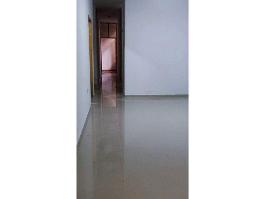vendo departamento en primer piso de 110m2 en los olivos