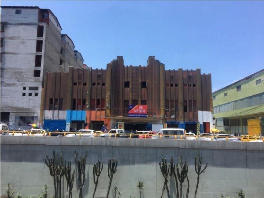 se vende terreno de 1100 m2 ex cine grau och